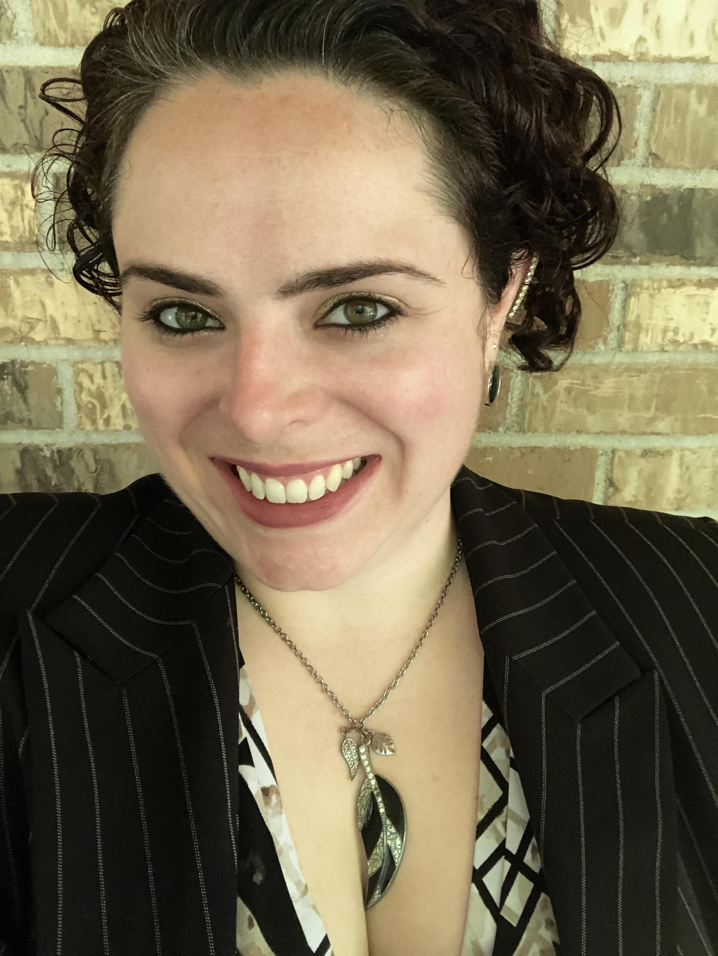 Sarah Johnson : Account Executive
